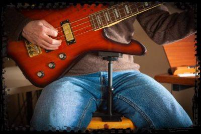 Playing bass guitar with Guitar Prop